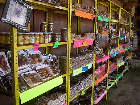 They offer a wide variety of sweets, most made from coconut or cajeta.