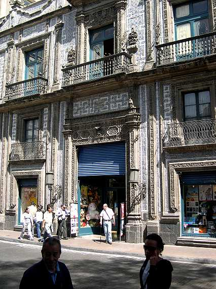 La Casa de Azulejos--the House of Tiles.  Who knows how many hand painted, blue, yellow, and white tiles adorn this colonial building.  Inside is the first Sanborns, a chain of stores and restaurants now found everywhere in Mexico.
