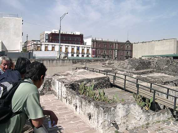 Next to the Zocolo, the huge plaza with so much history.  It was full of pyramids in Pre-hispanic times.  It was been the center of city life for many centuries.  In the 70's, while digging for the subway system, they unearthed the Templo Mayor, to one side of the cathedral.